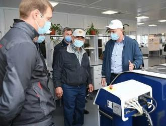 俄罗斯鞑靼斯坦共和国总统参观南方路机沥青搅拌设备